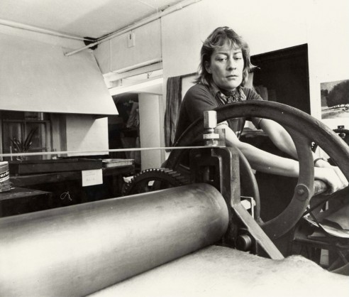 Printing in Graphic Studio Upper Mount Street, Dublin 1977<br><span>Photograph by Pat Langan</span>